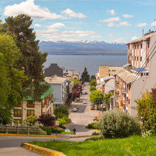 Argentinie-Bariloche-uitzichten-bovenop-berg