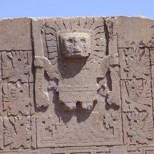 Ruines-Tiwanaku-in-La-Paz-Bolivia