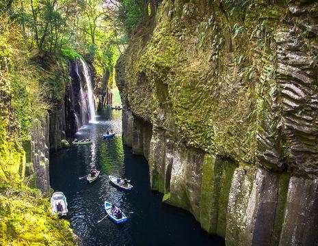 Ontdek-de-verstopte-watervallen-per-boot(12)
