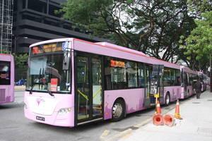 Kuala Lumpur, Verken Kuala Lumpur te voet en per OV