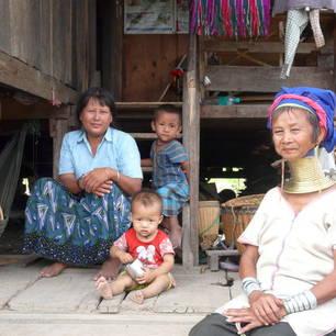 Myanmar-Loikaw- Padaung huis(8)