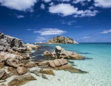 Australie-Lizard-Island-strand-rotsen
