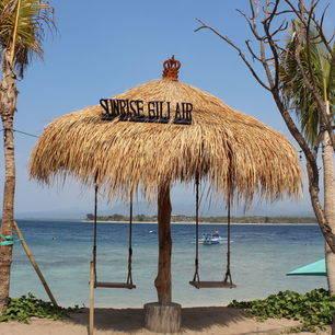 Schommels op het strand van Gili Air
