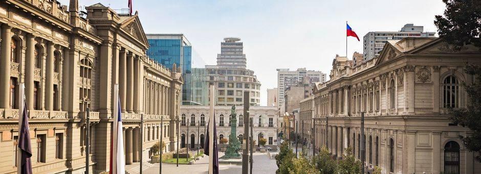Chili-Santiago-Plaza-Montt-Varas_1_429902