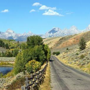 Amerika-Grand-Teton-Small-Road