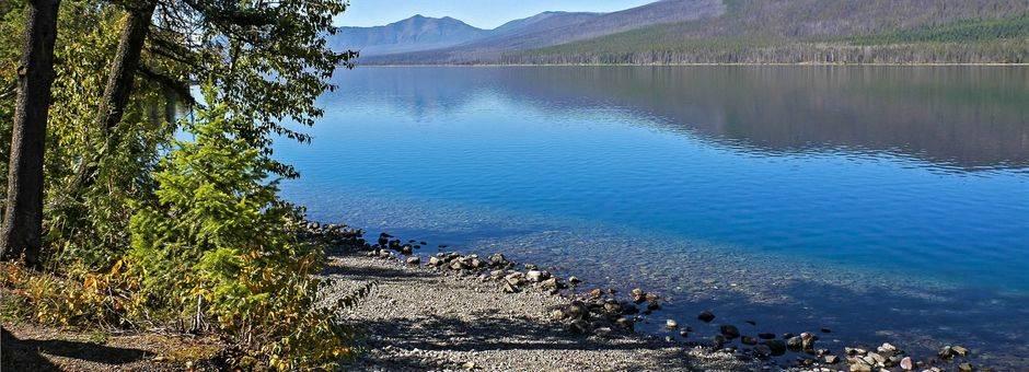 Canada-Waterton-National-Park-Lake_1_503721