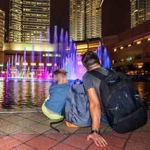 Maleisie-kuala-Lumpur-vader-en-zoon