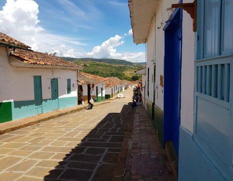 Colombia-Barichara-huizen-kleurrijk