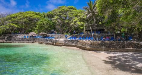 Colombia-Islas-del-Rosario-strand2