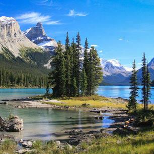 Canada-Jasper-Spirit-Island-Maligne-Lake_1_498834