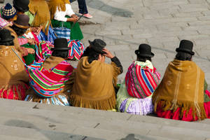 Lokale bevolking op de stoep van La Paz - Bolivia