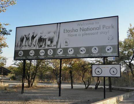 Namibie-Etosha-National-Park-Entree
