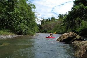 Bukit Lawang: Tuben en kajakken Bekail-rivier