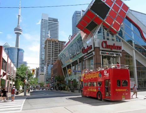 Canada-Toronto-Dundas-Square_1_495233