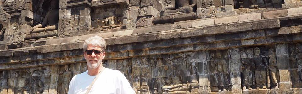 Bij de Borobudur op Java