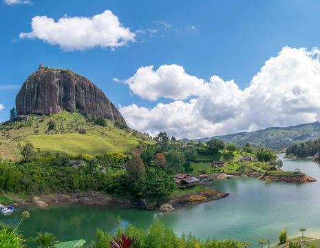 Colombia-Guatape-monoliet-El Penol2