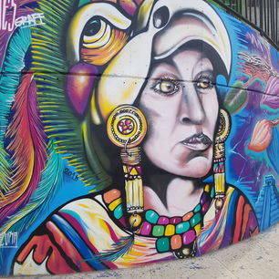 Colombia-Medellin-kleurrijke-graffiti