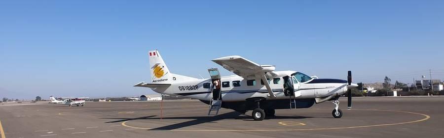 Ons vliegtuig tijdens de vlucht