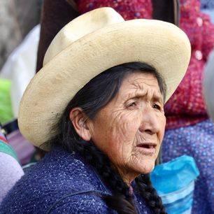 Peru-Ollantaytambo-Local