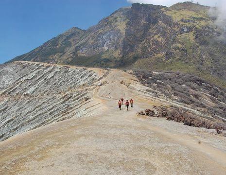 Java-Ijen-vulkaan-beklimmen