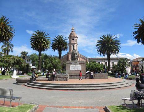 sfeervoll plein middenin Otavalo