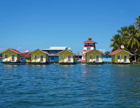 Bungalows aan het water op Bocas del Toro - Panama