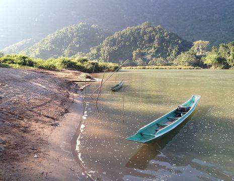Laos-NongKhiow-bootje