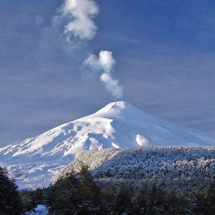 Chili-Pucon-sneeuw-op-de-villaricca-vulkaan