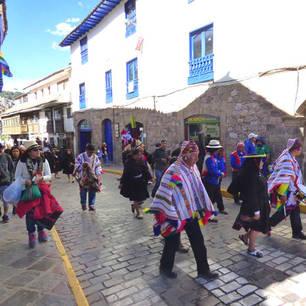 Parade-in-Cuzco(10)