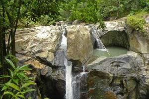 Labuan Bajo: Spiegelgrot, hike naar vallei en dans