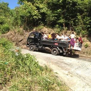 Myanmar-Kyaikhtiyo-truck(8)