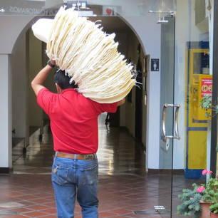 originele Panama-hoed, gemaakt van riet in Cuenca