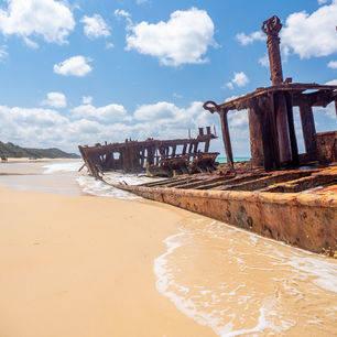 Australie-Fraser-Island-scheepsvrak-strand