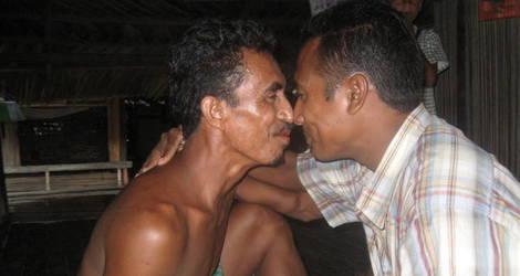Indonesie-Sumba-Waikabubak-begroeting