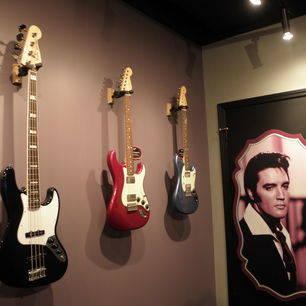 VerenigdeStaten-Memphis-Graceland-gitaren