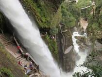 Mountainbiken langs watervallen