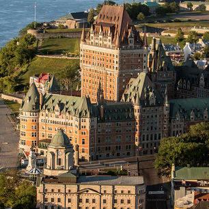 Canada-Quebec-City-Chateau-Frontenac-1(2)