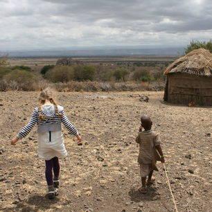 Maasai-Boma-bezoek-familie-Speleers