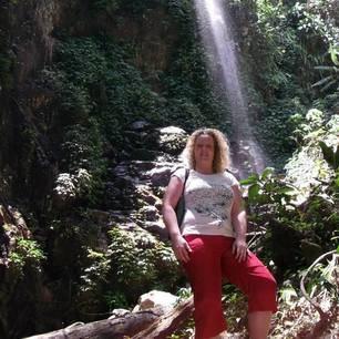 Foto trekking op zoek naar rafflesia Belum Maleisië