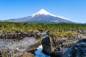 Osorno vulkaan en stroomversnellingen van Petrohué