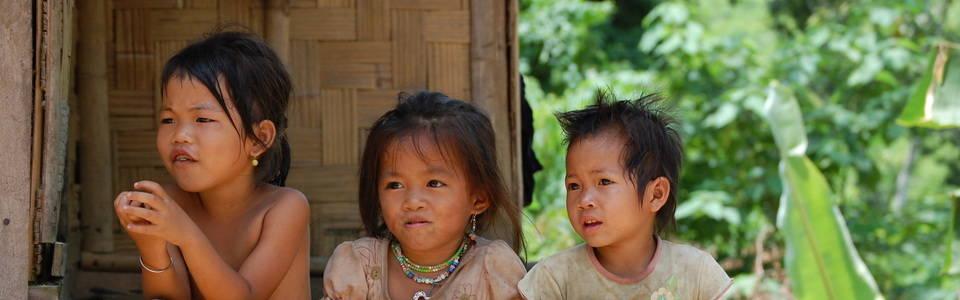 Op bezoek bij onbekende bergstammen in Laos