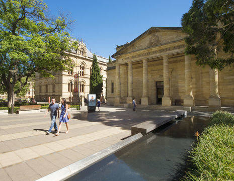 Australie-Adelaide-North-Terrace-museum_1_559045