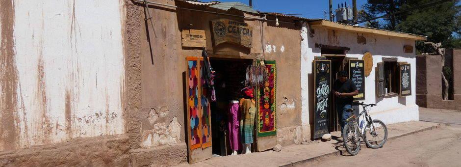 Chili-San-Pedro-de-Atacama-gezellig-straatje