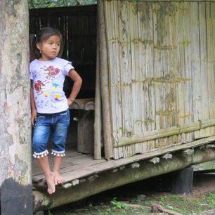 Ecuador-Coca-Amazon-lokaal-meisje_1_530615