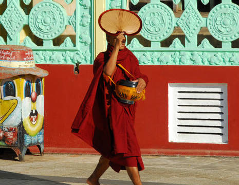 Myanmar-Bago-monnik-beschermingzon(8)