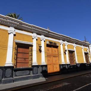 Oude-gebouwen-bewonderen-in-Arequipa(10)