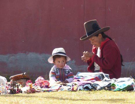 Local-met-kind-bij-Cuzco(6)