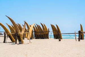 Huanchaco-boten-aan-het-strand-2(6)