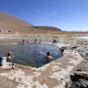 Relaxen in de hete baden van Uyuni - Bolivia