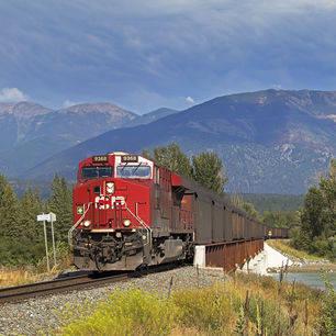 Canada-Kootenay-trein-landschap